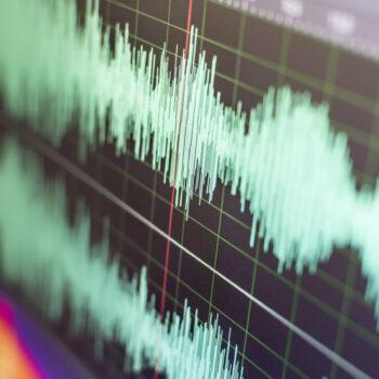 ANALIZADORES DE AUDIO Y VOLTIMETROS RF